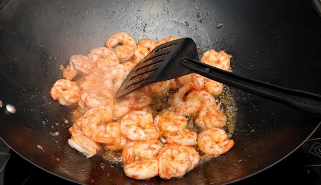 Как приготовить жареные креветки замороженные неочищенные рецепт 3