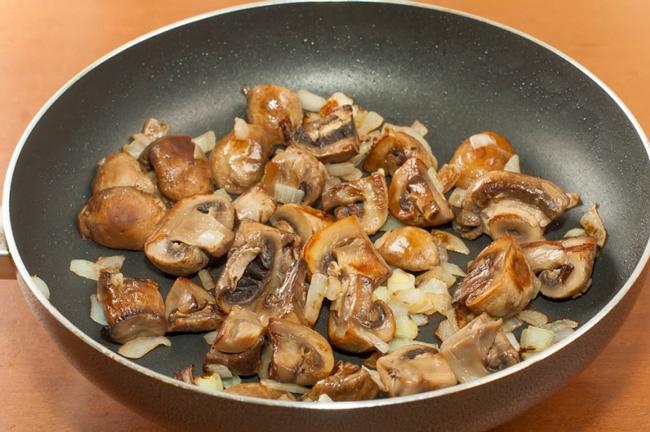 сколько жарить замороженные лесные грибы